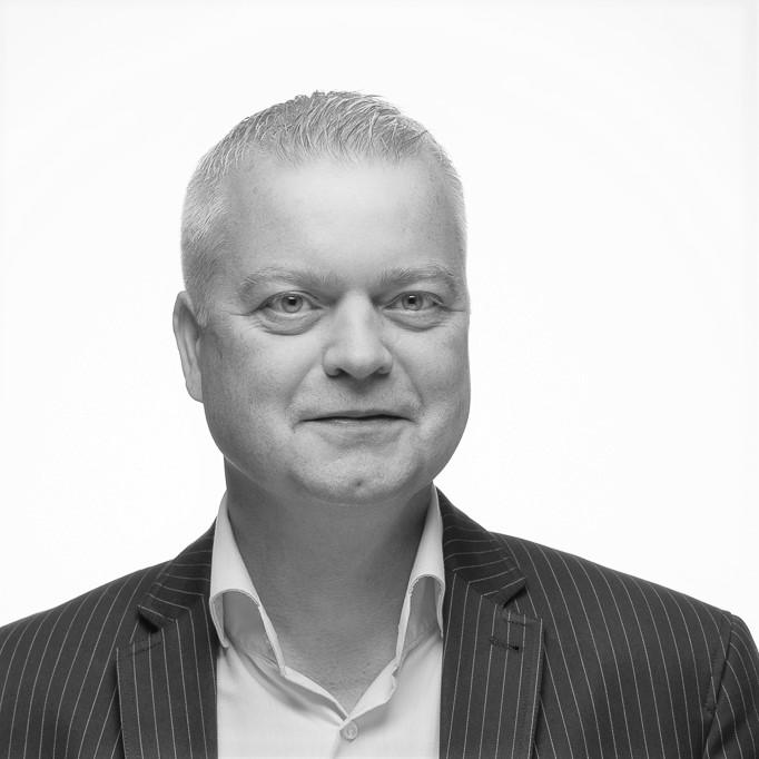 2016-10-05 - Peter Svartvit_crop