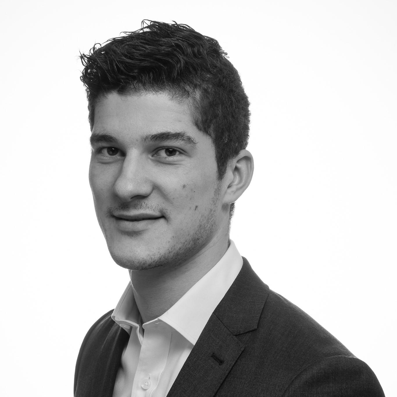 Roberto - Svartvit profil